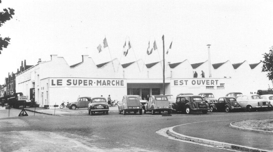 Le fondateur d'Auchan choisit le nom du quartier pour pouvoir apparaître dès les premières pages des annuaires.